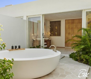Fairmont Maldives - Sirru Fen Fushi Three Bedroom Beach Sunset Villa - Bathroom