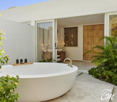 Fairmont Maldives - Sirru Fen Fushi Two Bedroom Beach Sunset Villa Bedroom