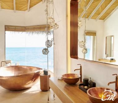 Fairmont Maldives - Sirru Fen Fushi Two Bedroom Water Sunset Villa bathroom