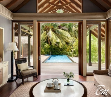 Shangri-La's Villingili Resort - Deluxe Pool Villa  Living Area