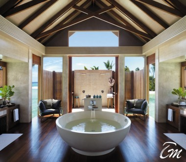 Shangri-La's Villingili Resort and Spa - Grand Water Villa Muthee bathroom