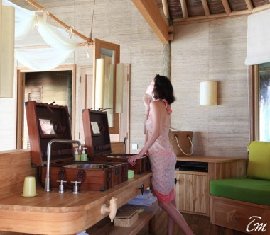 Six Senses Laamu Maldives Sunset Laamu Water Villa with Pool Vanity Area