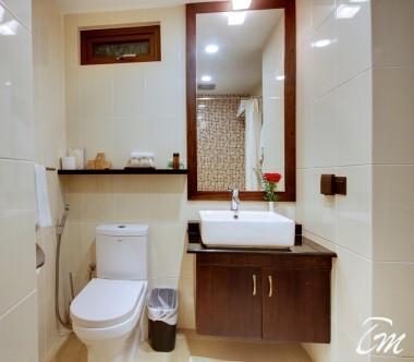 The Somerset Hotel Male SuperKing Room Bathroom
