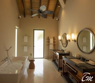 The Residence Maldives Dhigurah Sunrise 2 Bedroom Beach Pool Villa Bathroom