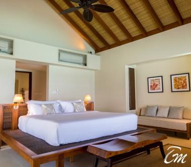 The Residence Maldives Dhigurah Sunrise Water Pool Villa Interior