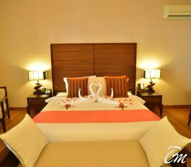 Vakarufalhi Maldives Beach Villa Bedroom