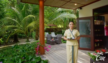 Angaga Island Resort  Duny Thai Welcome