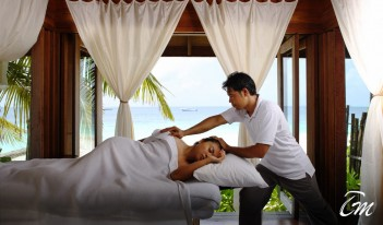 COMO Cocoa Island Shambhala spa retreat - massage