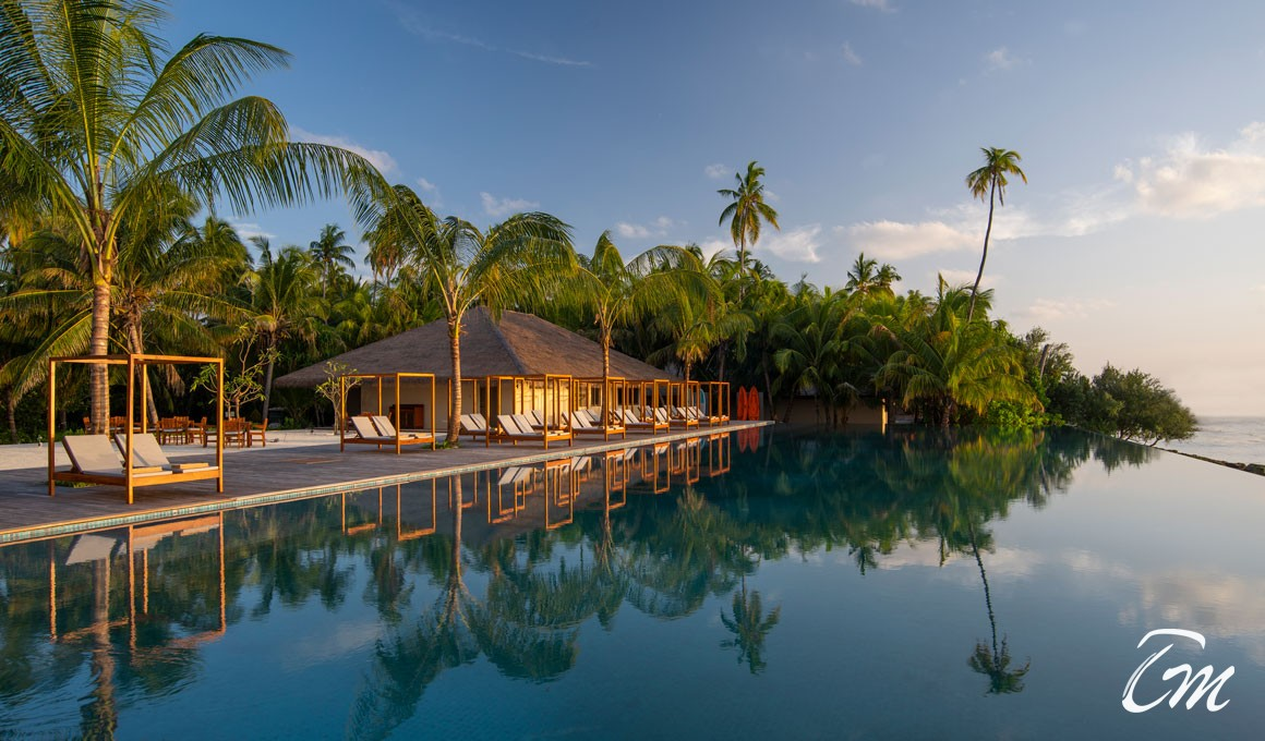 The Residence Maldives Dhigurah Infinity Pool View
