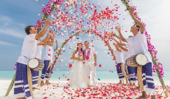 Lux* South Ari Atoll - Wedding Arrangement